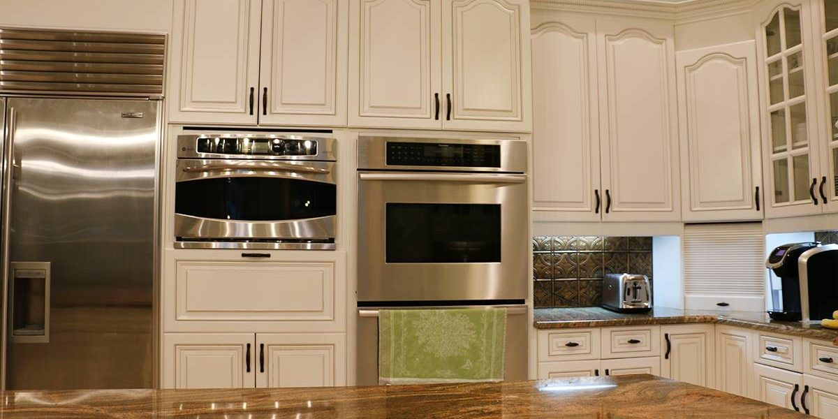 Cabinet Glazing What Is It And Is It Right For Your Kitchen